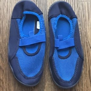 Boys water shoes. Size 2/3